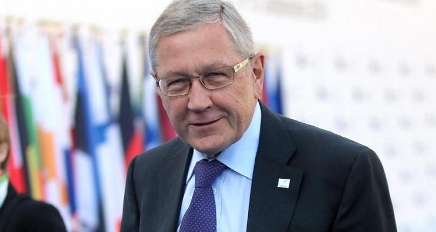 K. Regling: 'We are ready to ease the Greek debt'