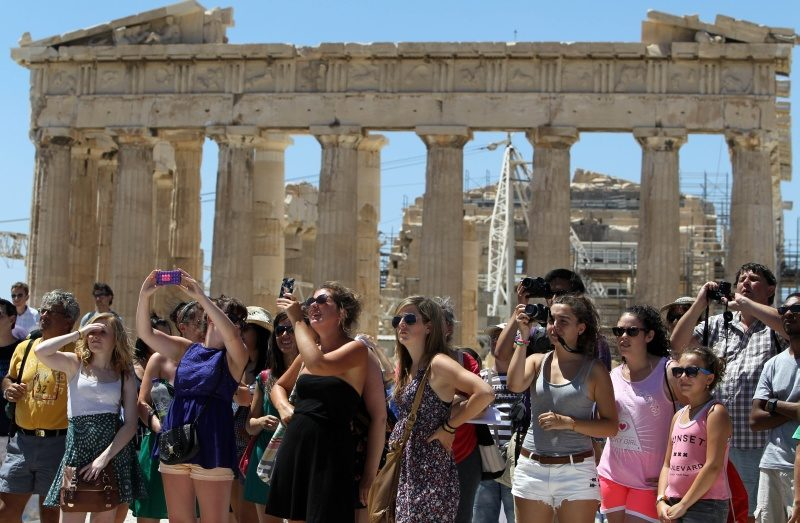 Greece sees revenue from 2017 tourism skyrocket