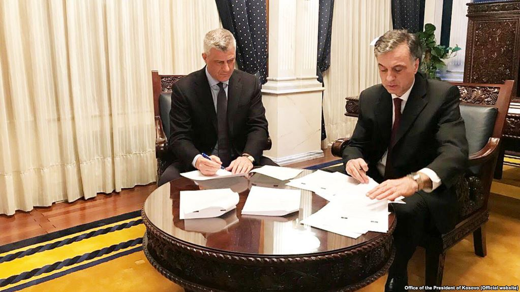 Kosovo and Montenegro sign a joint statement on Demarcation