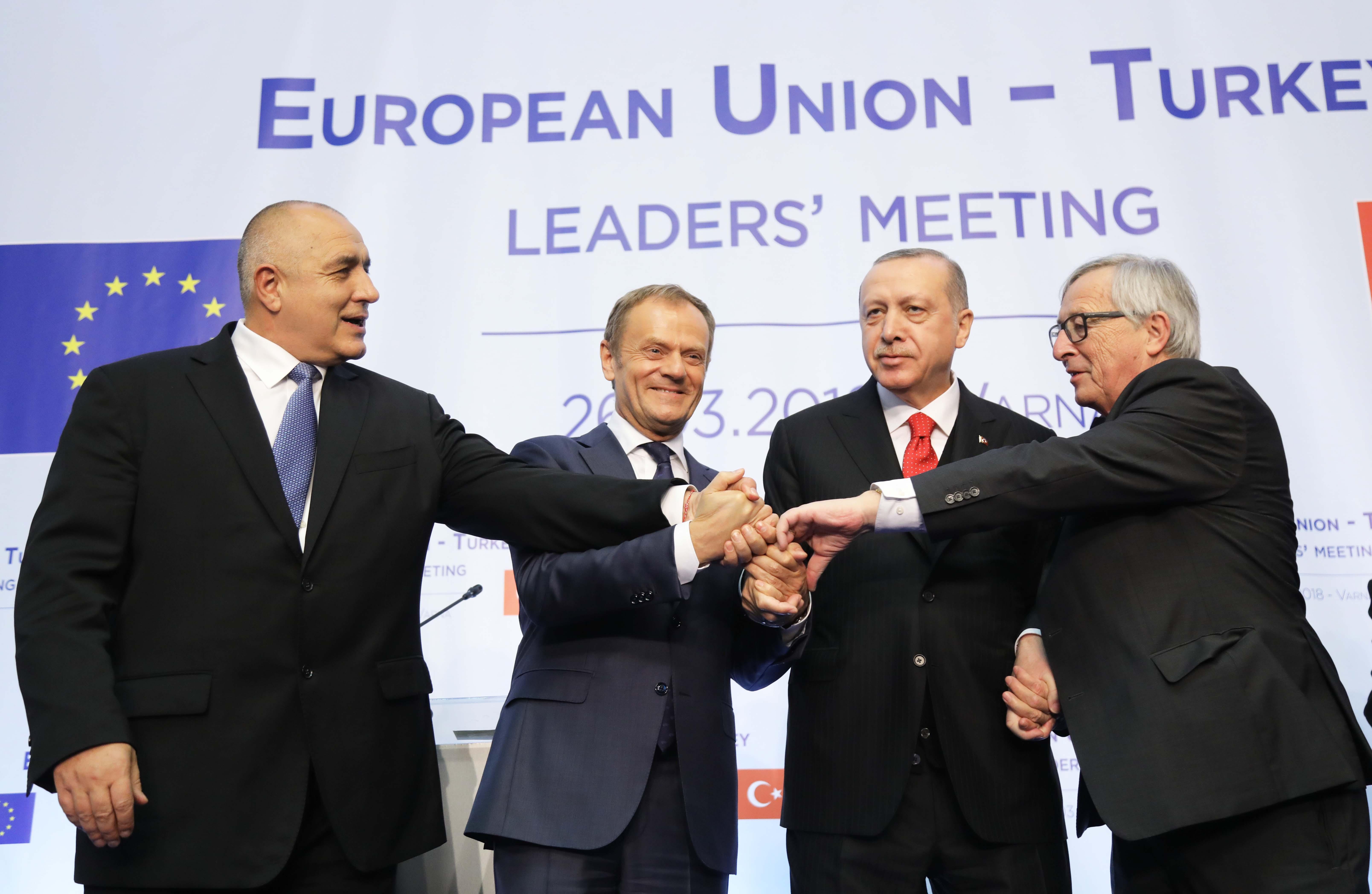 Ενημέρωση θα έχει ο Αλέξης Τσίπρας από τον Boyko Borissov για τη Βάρνα.