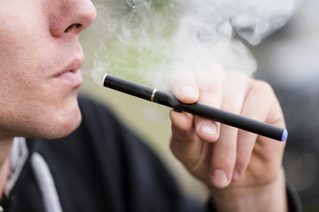 E-cigarette ban in public spaces across Greece