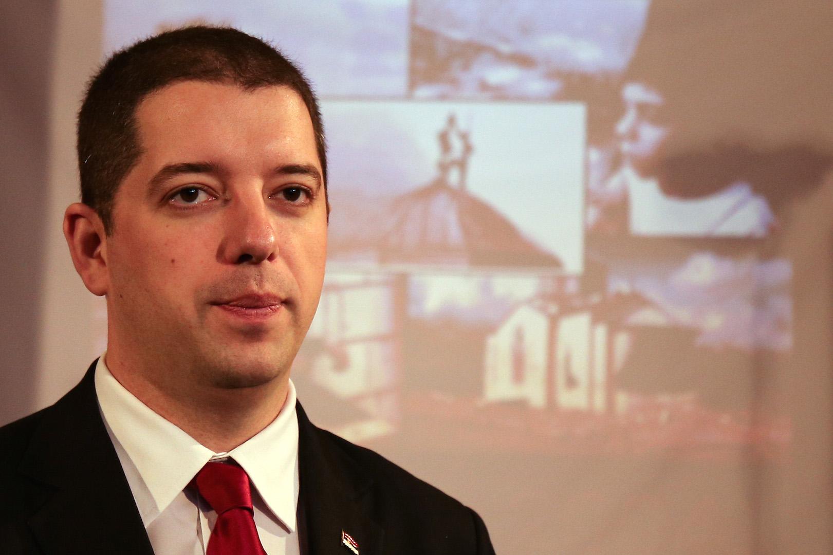 Marko Djuric vs Kadri Veseli over Kosovo and Serbia
