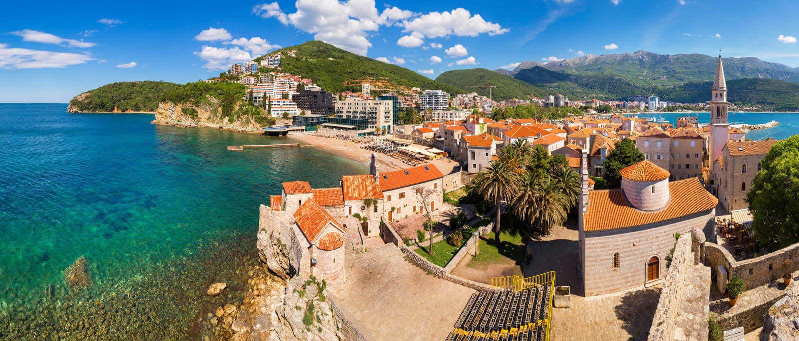 Montenegro 'calls' Russian tourists