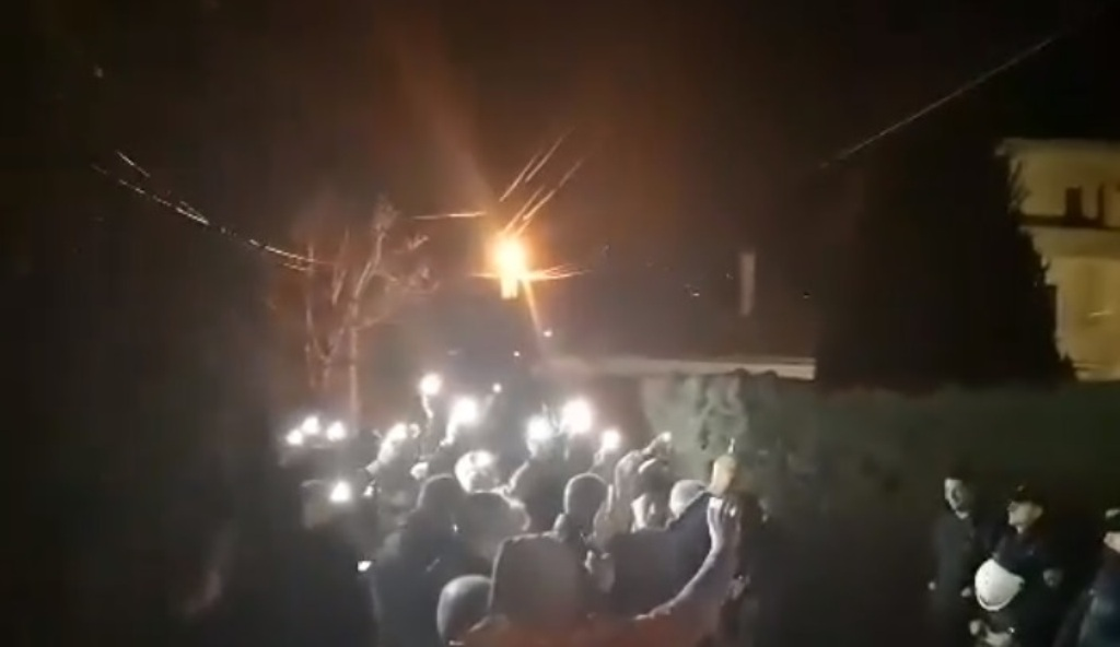 Protests in front of the homes of SDSM's lawmakers