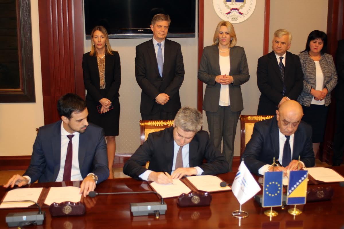 EIB grants 6,8 million euros for the bridge over river Sava