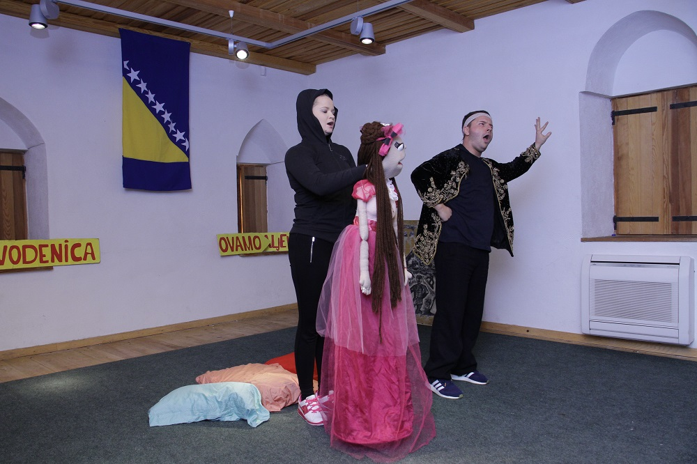 """Titiz and Dzomet"" entertained pupils in Stolac"