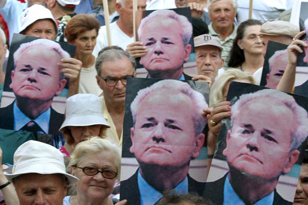 "Dictator Slobodan Milosevic ""returns"" to Kosovo"