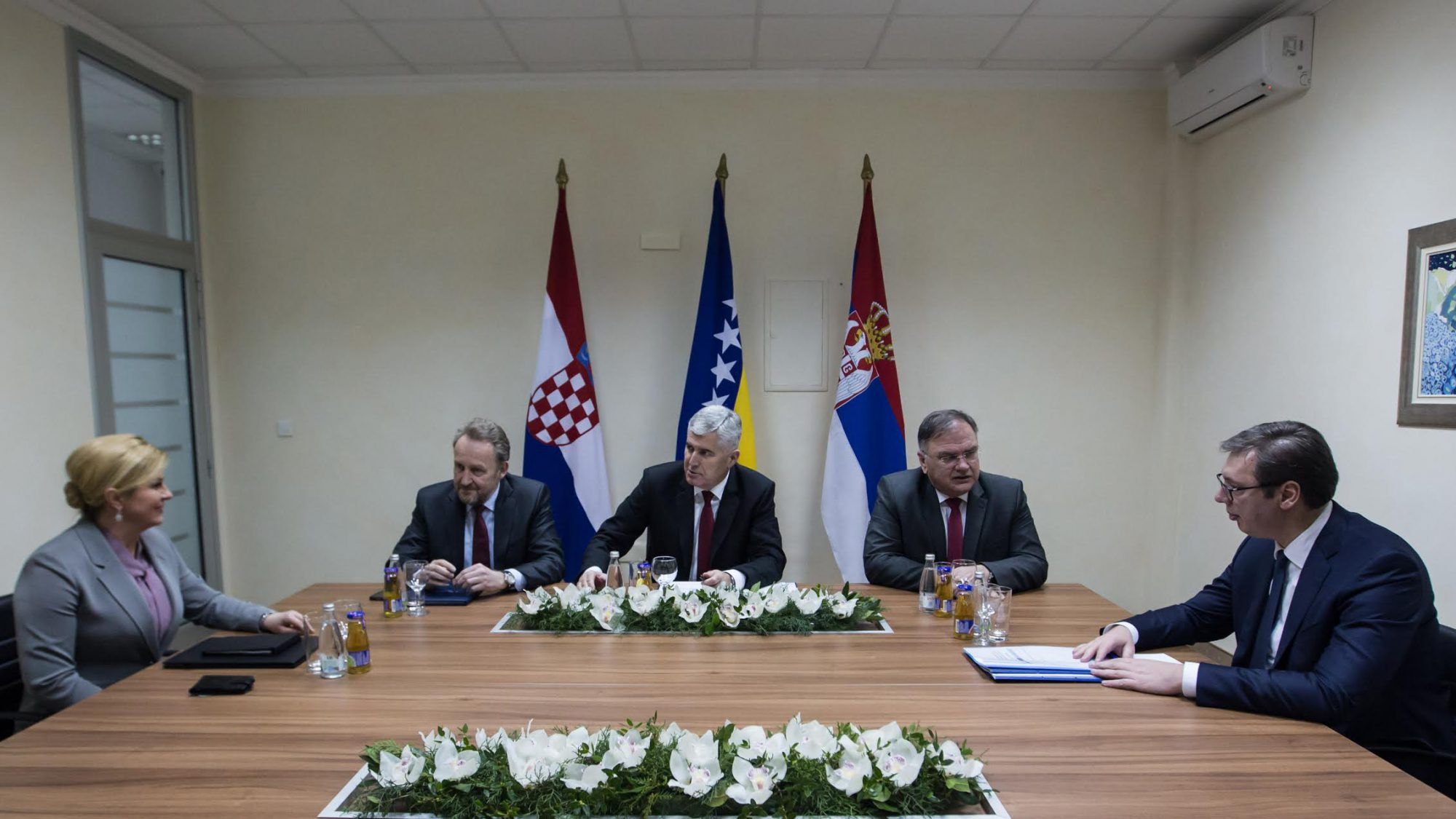 BiH-Serbia-Croatia meeting in Mostar pointed out the problem of borders