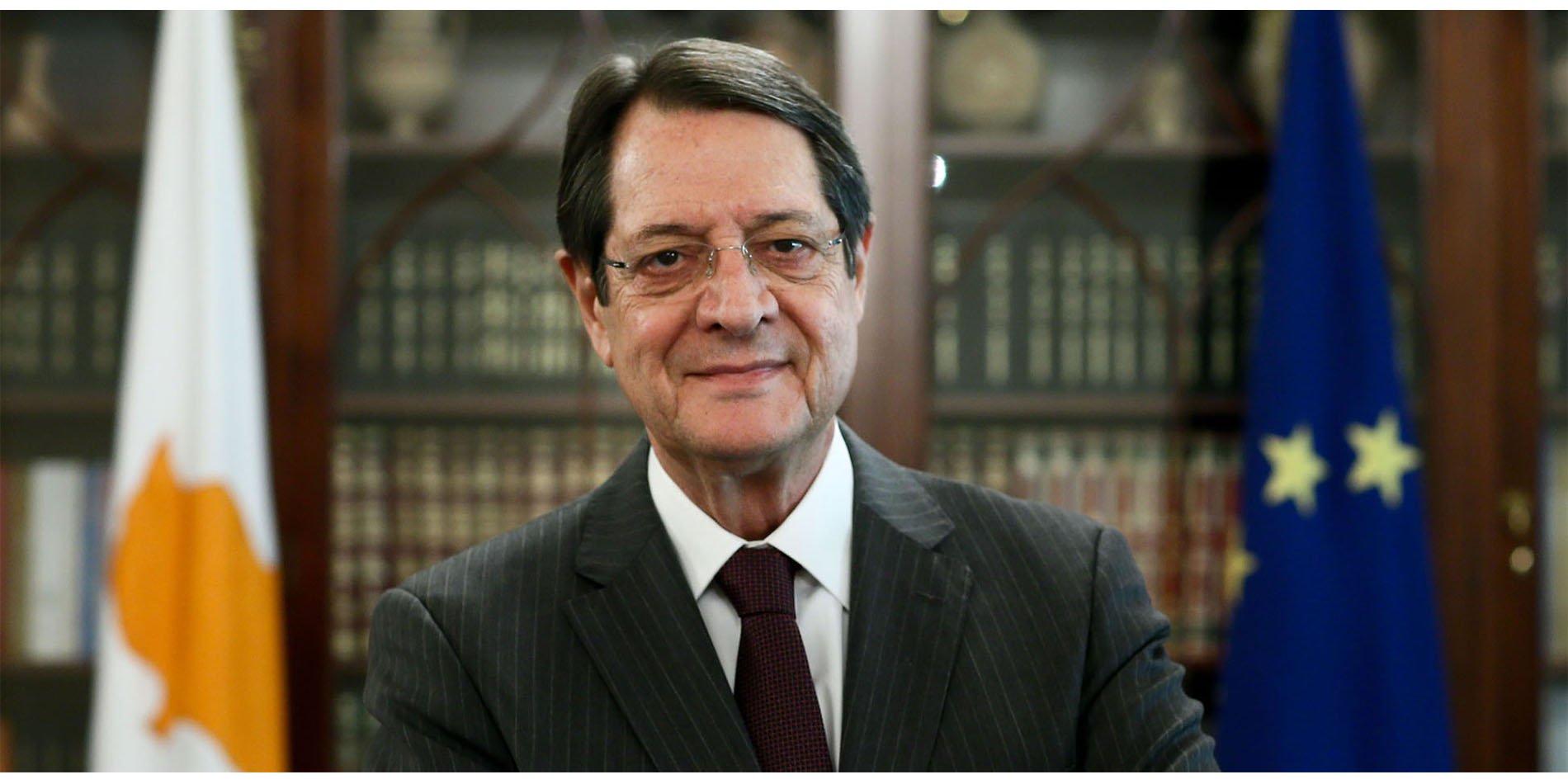 Anastasiades continues his series of contacts in London