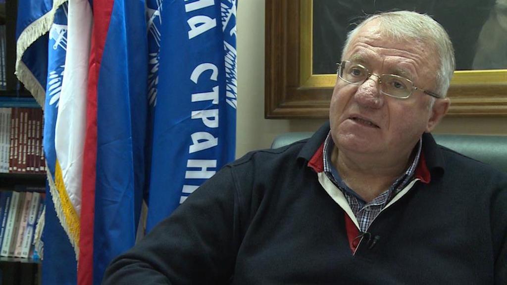 Vojislav Šešelj uses Croatian flag in disrespectful manner; Croat delegation leaves Belgrade