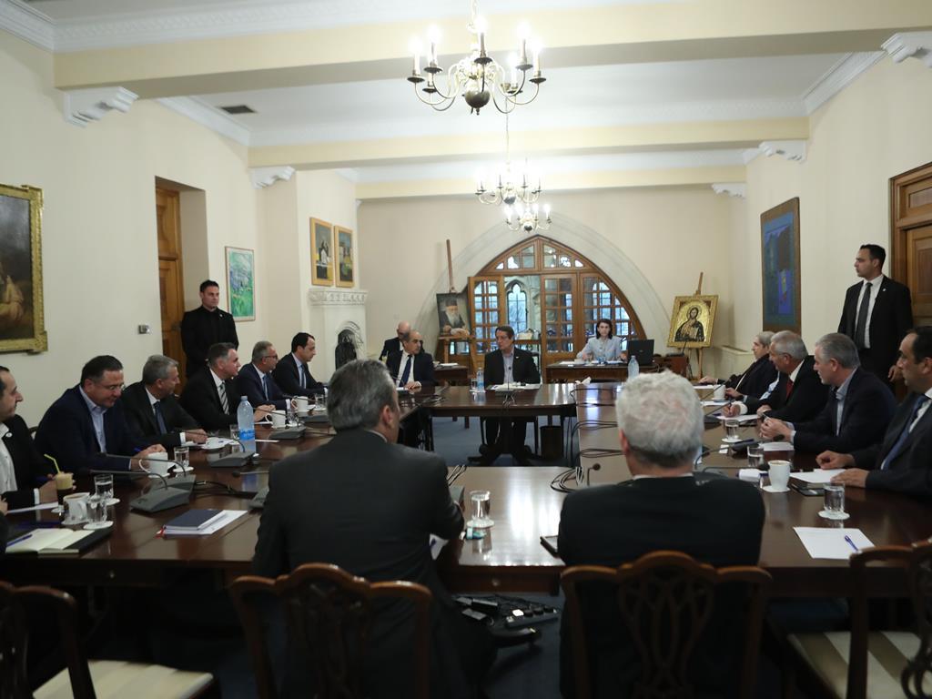Σύσκεψη αρχηγών κομμάτων υπό τον Πρόεδρο Αναστασιάδη εν όψη της συνάντησης με τον Ακιντζί