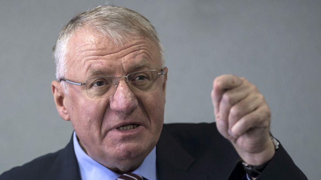 UN court convictsVojislav Seselj of war crimes