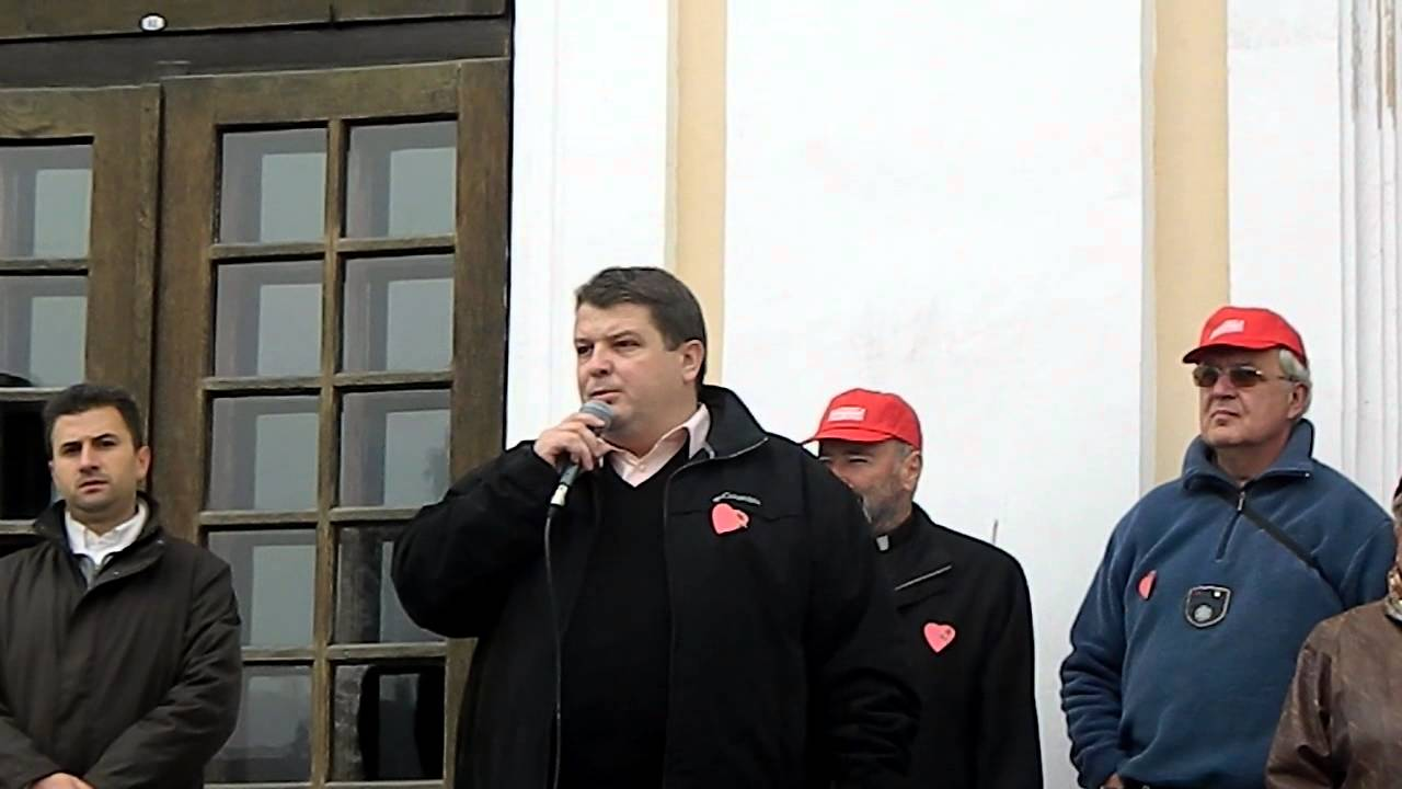 Investigation underway as Romanian politician commits suicide