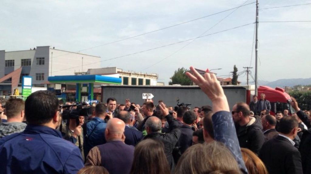 Albanian opposition goes on protest, four national roads blocked