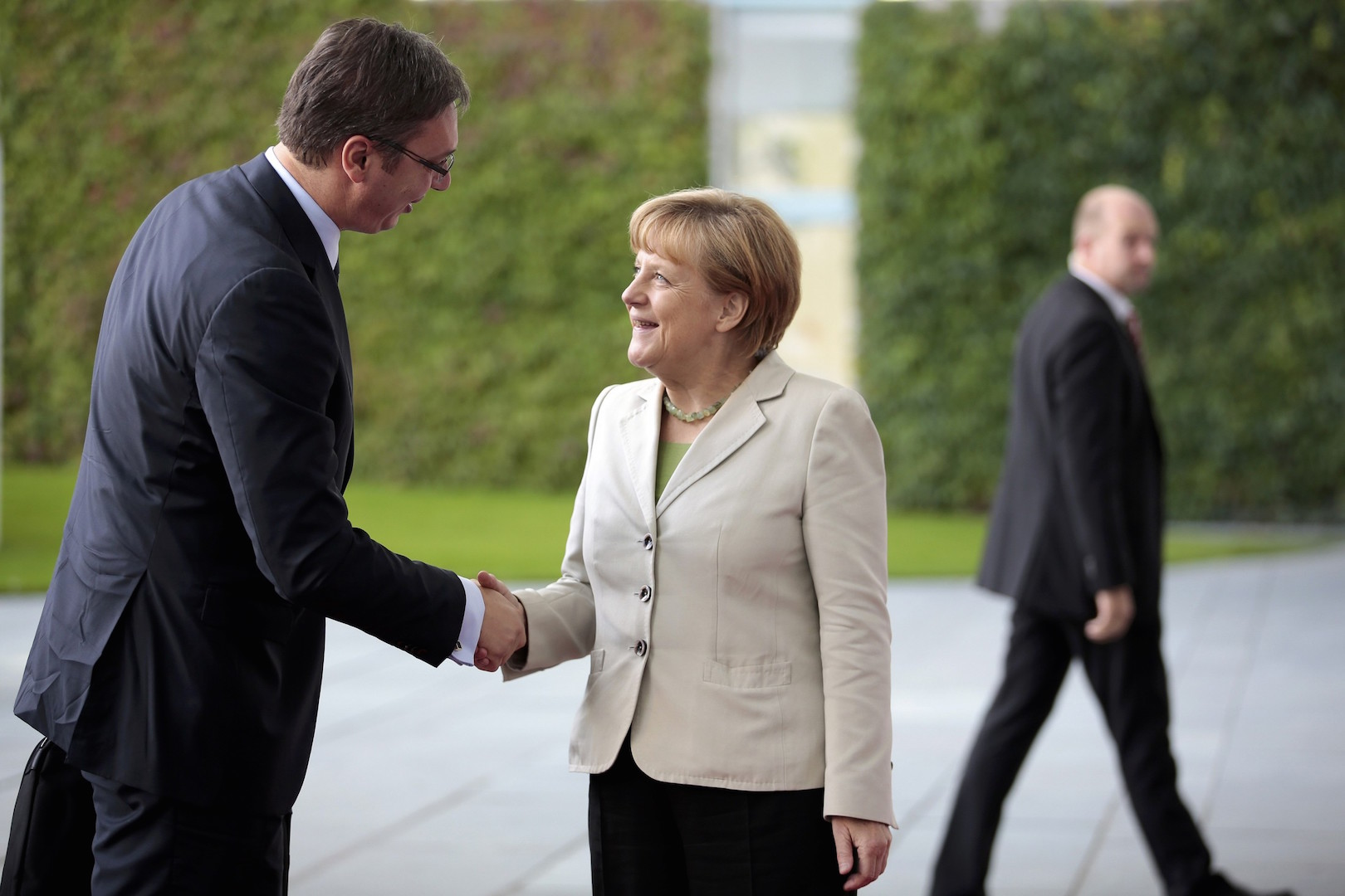 Relationship between Merkel and Vucic is particularly close
