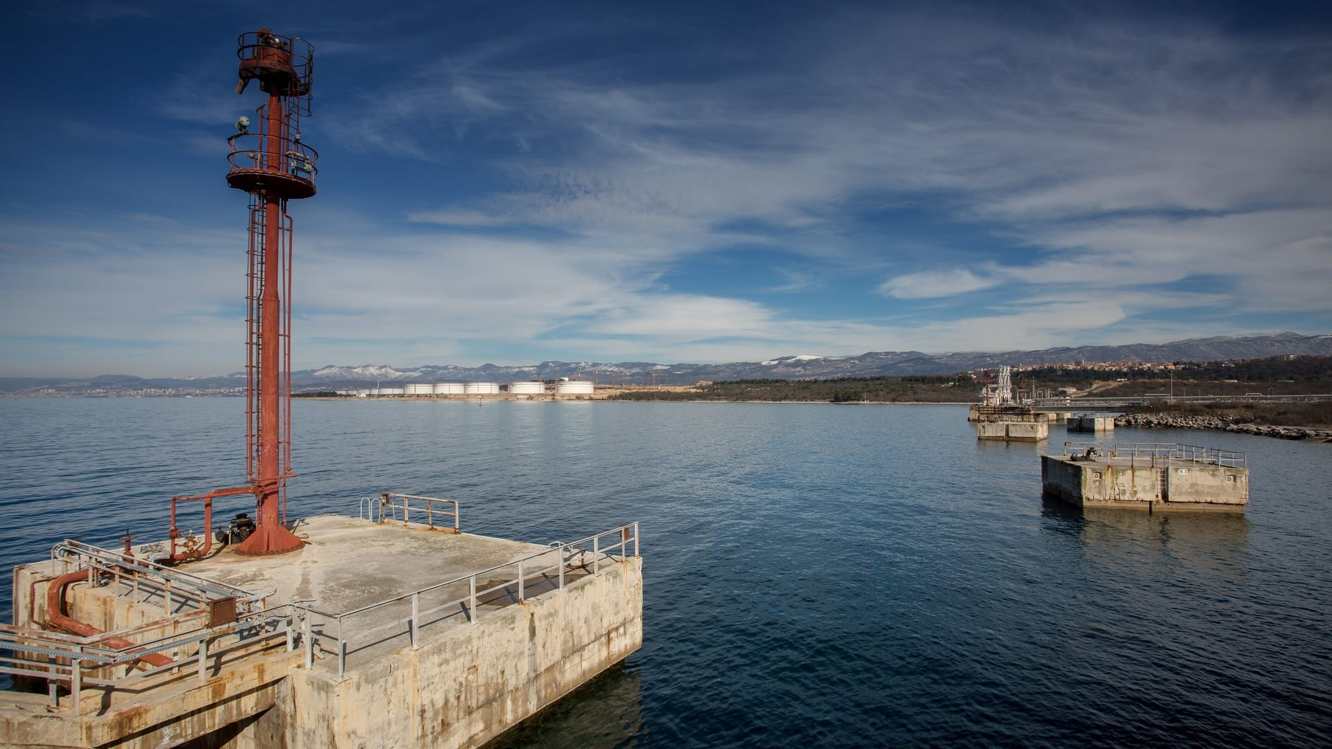 Croatia: Krk floating LNG terminal and the role of Hungary cause heated debate