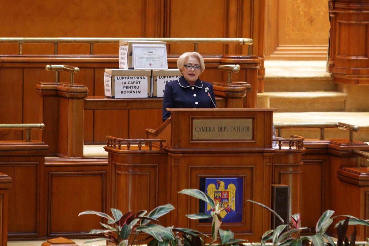Romania's govt survives no-confidence motion amid anti-corruption rallies