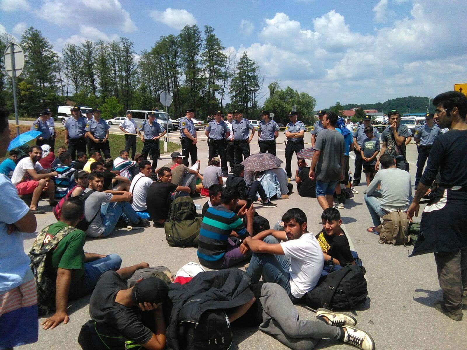 Bosnia and Herzegovina expels 18 migrants