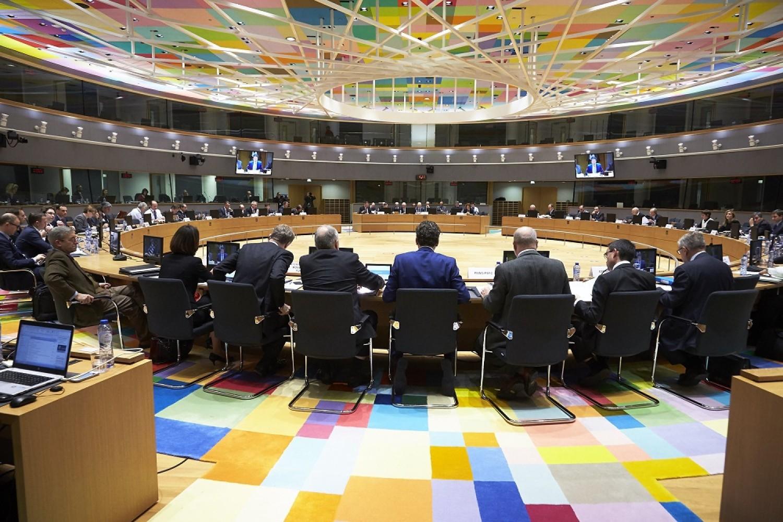 «Γράφουν» και… «σβήνουν» 3 κείμενα εν όψει Eurogroup