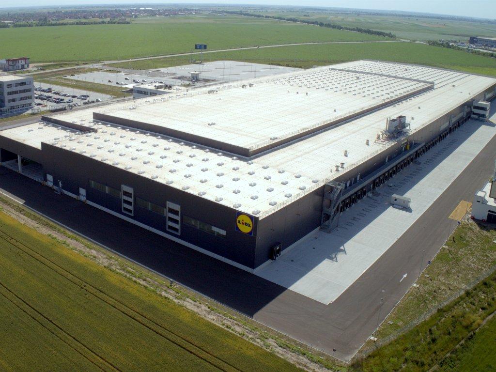 German Lidl opens logistics centre near Belgrade