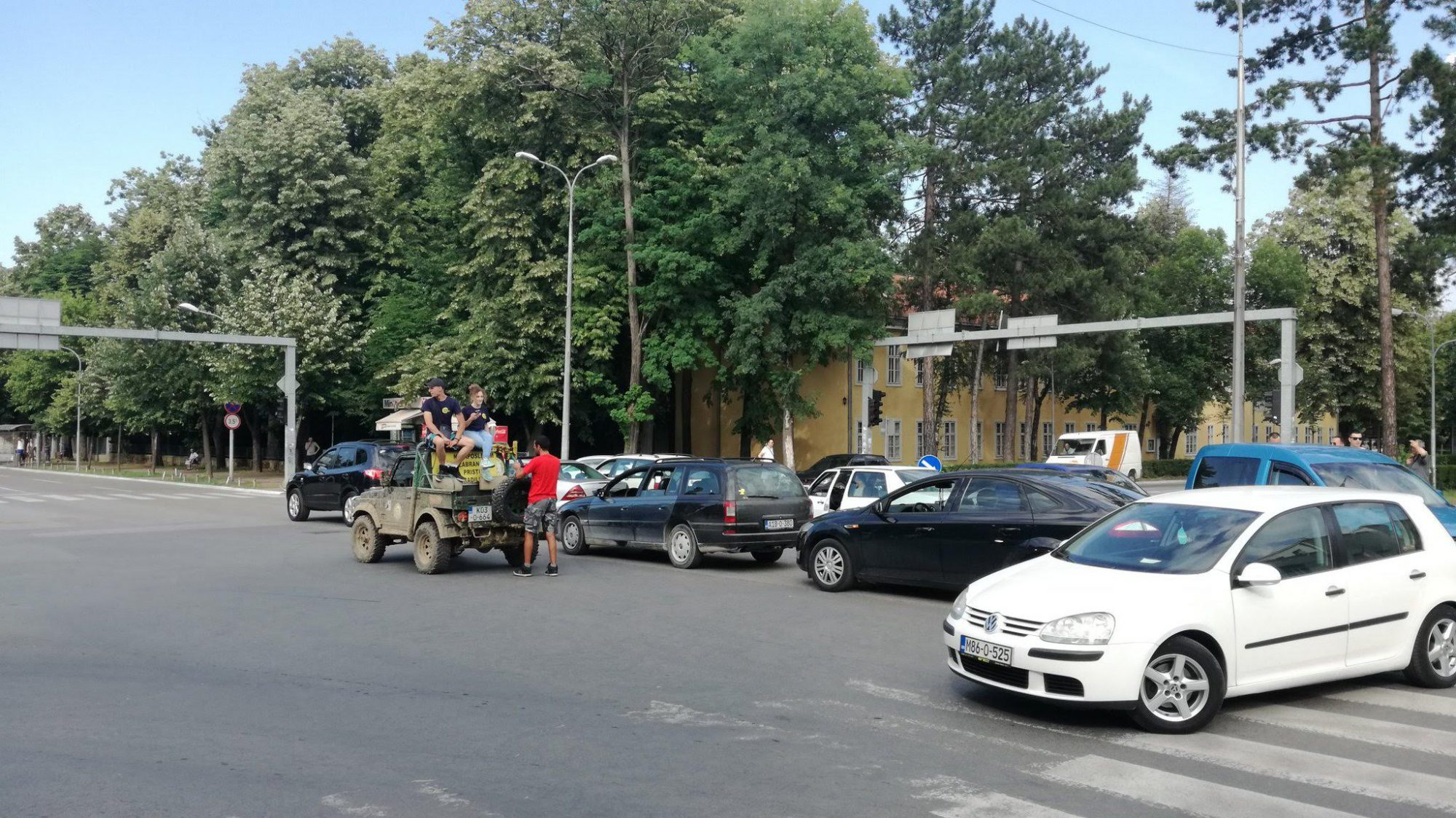 BiH roads blocked in protest over high fuel prices
