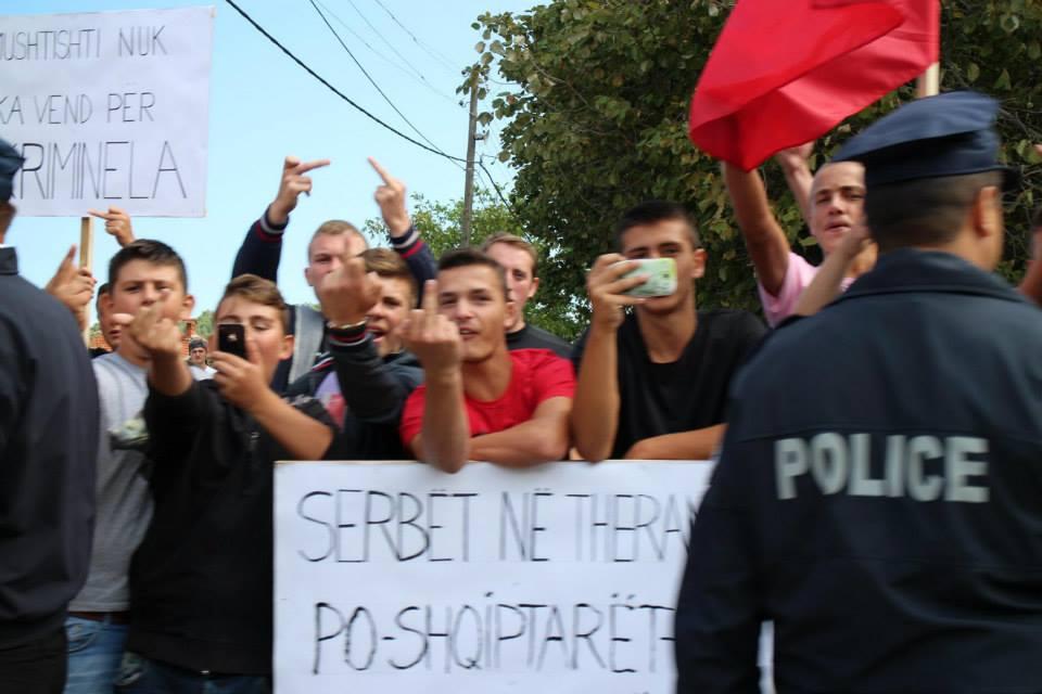 Kosovo: Calls to avoid cross-ethnic incidents