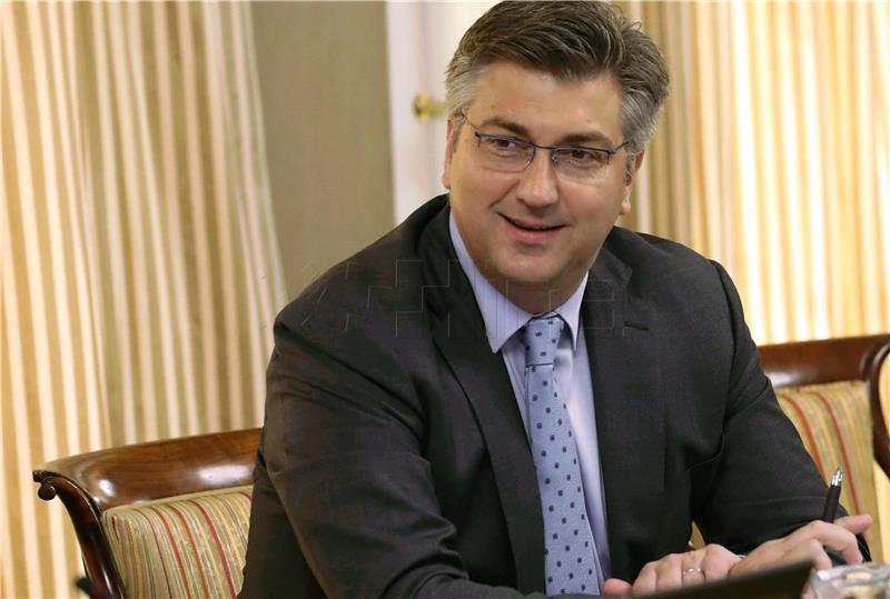 Croatian PMin practical support of regional development, speaks ofincrease insalaries