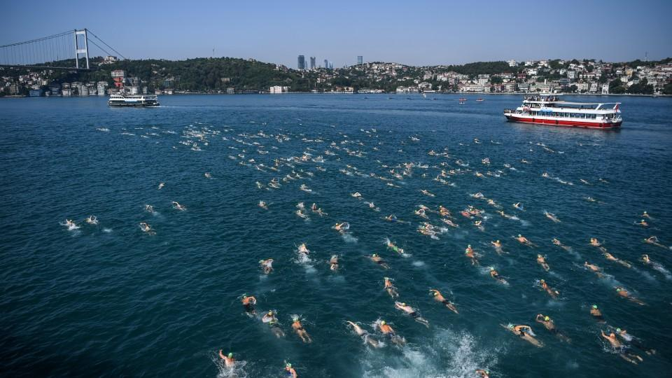 Over 2,000 swimmers get ready to 'conquer' Bosphorus on July 22nd