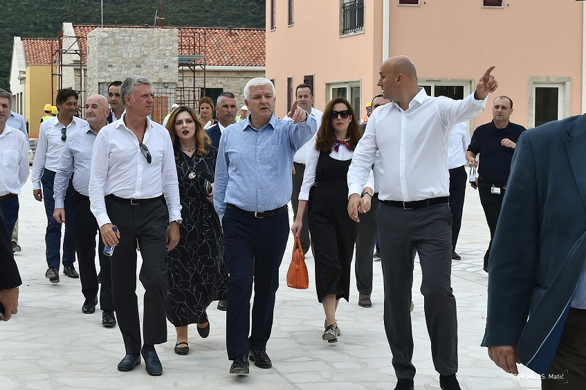 PM Marković satisfied and proud of the Portonovi project