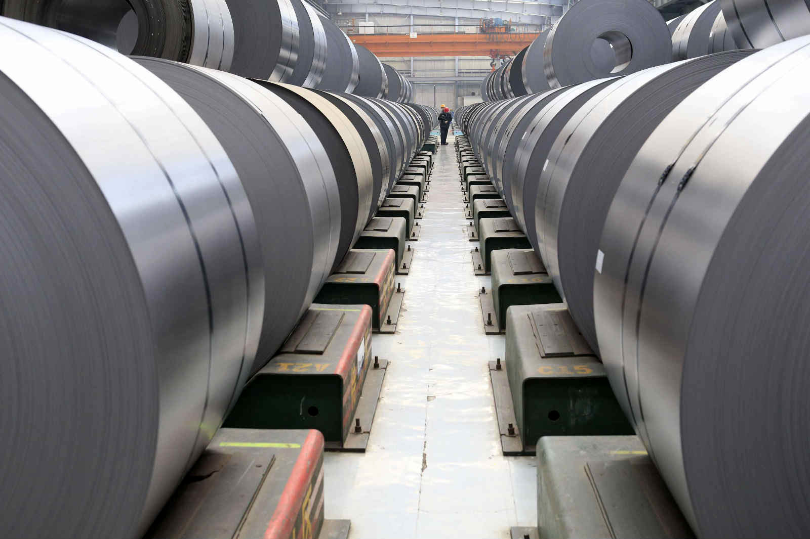 EU states will vote on control of steel imports on Thursday