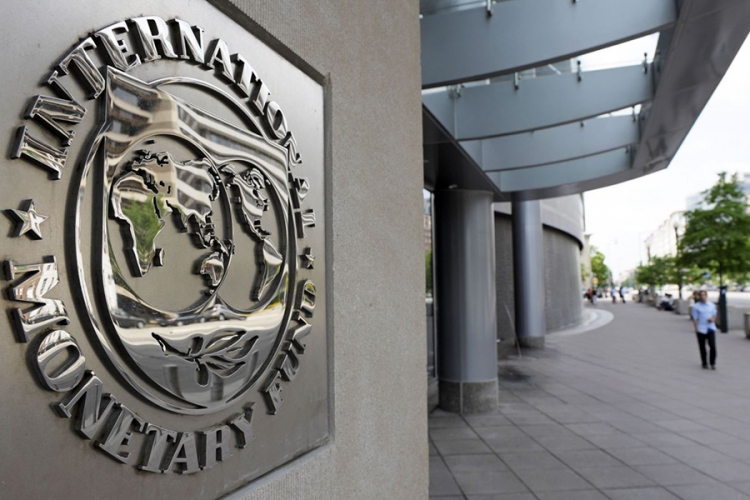 IMF fires reform warning to Athens; sees economy accelerating in 2019