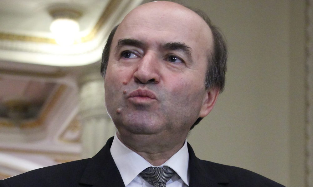 Romanian Justice minister saysabuse of officethreshold, equivalent of minimum gross wage