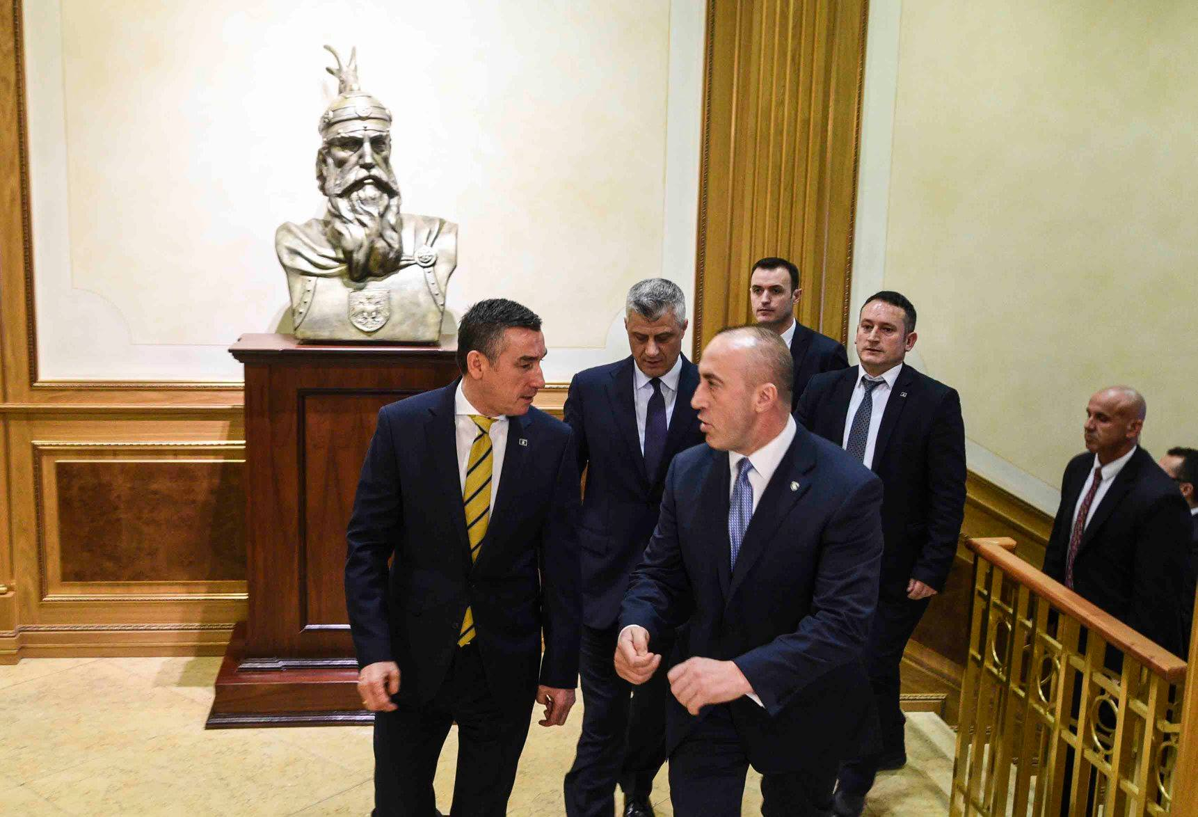 Kosovo: State leaders hold consultations about the dialogue with Serbia