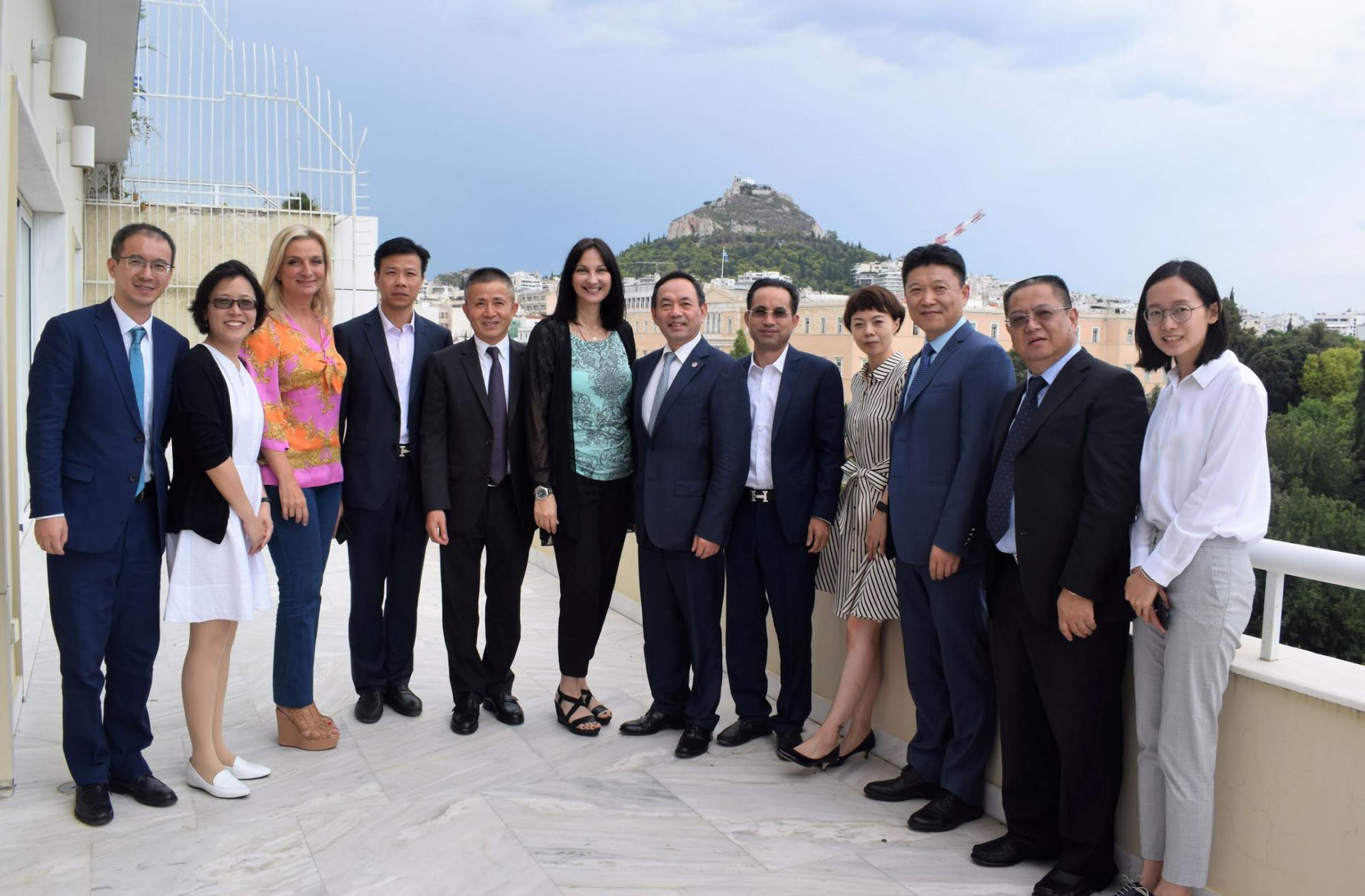Greek Tourism minister and Shanghai's CCPIT head discuss Athens-Shanghai direct connection