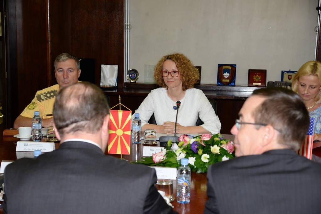 FYROM: DM Sekerinska meets with delegation of US Congressmen