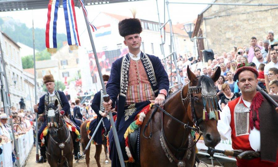 Josip Cacija wins 2018 Sinjska alka competition of historical significance