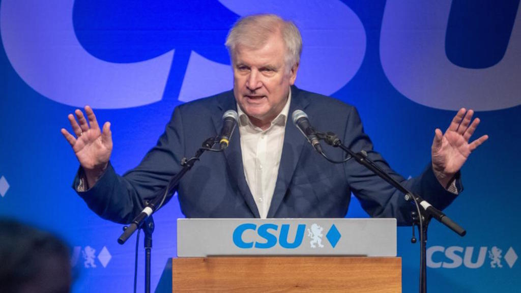 Seehofer, Greece, Italy and the asylum-seekers