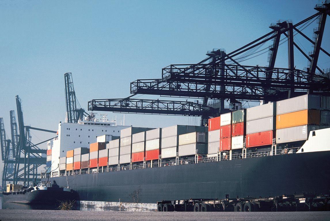 NBG: Οι ελληνικές εξαγωγές αυξήθηκαν 37%