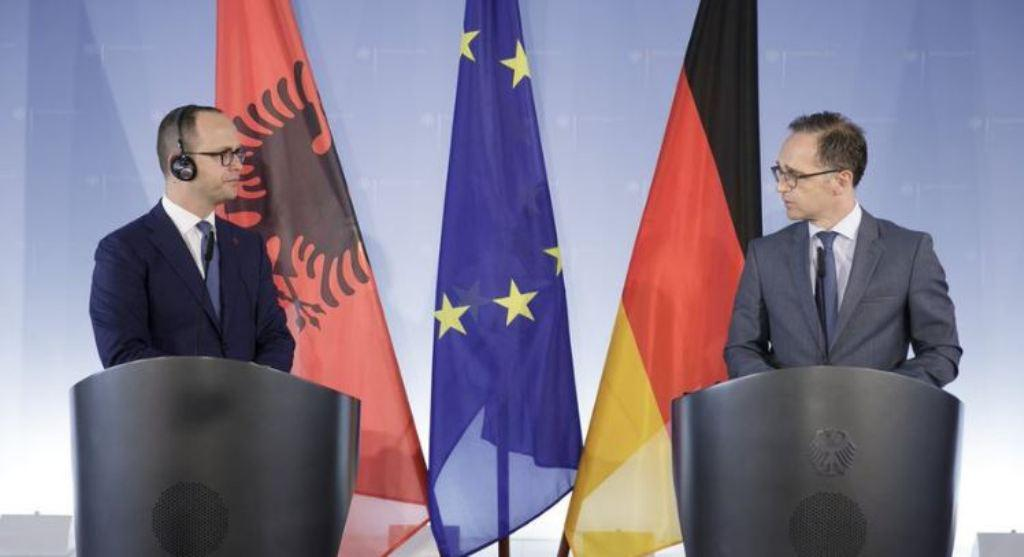 German Foreign ministers urges political sides in Albania to back the reforms