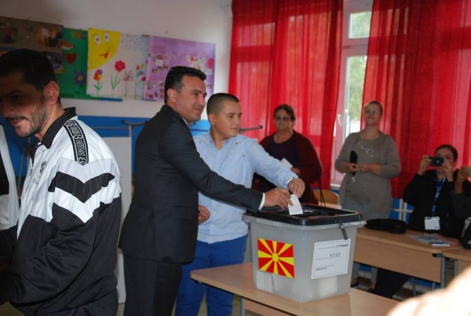 Zaev casts his vote in the referendum; the leader of the opposition will not participate