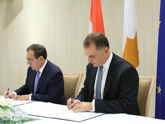 Υπεγράφη η συμφωνία για τον υποθαλάσσιο αγωγό φυσικού αερίου Κύπρου-Αιγύπτου – Δηλώσεις Λακκοτρύπη