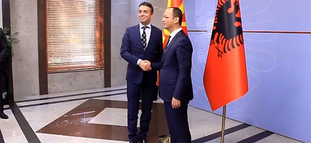 Albanian Foreign minister Bushati meets his counterpart in Skopje