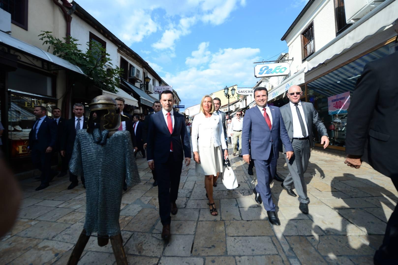 Mogherini in Skopje sends messages of support for the referendum