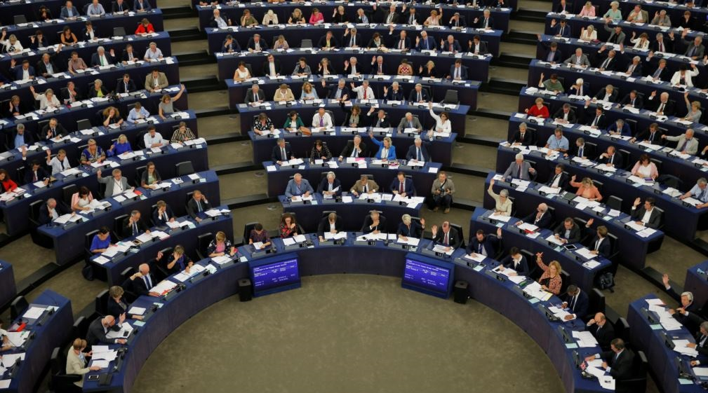 European Parliament expected to vote in favour of scrapping visas for citizens of Kosovo
