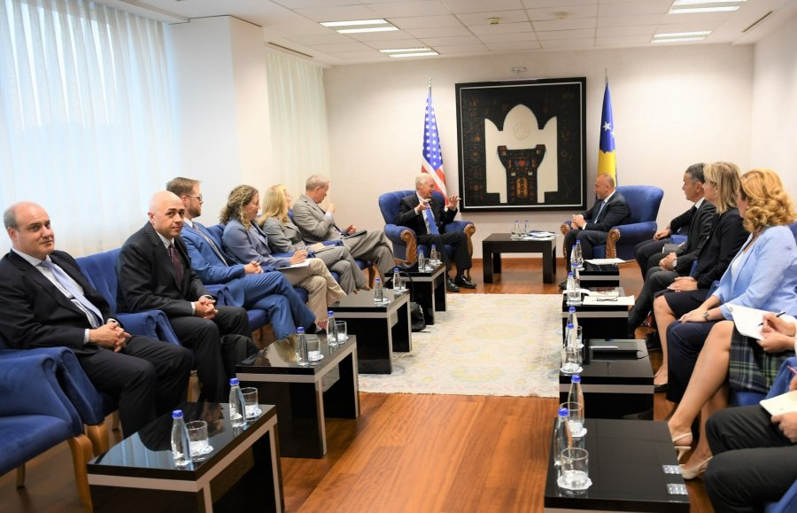 Kosovo's PM receives a delegation from the US Congress