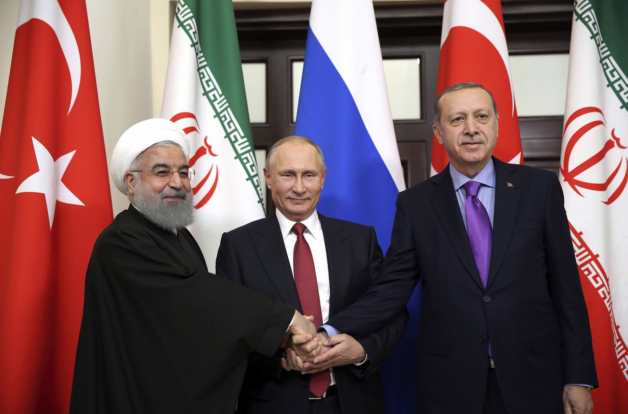 Upd / Erdogan heads to Tehran for trilateral summit on Syria, 8 European countries call for 'restraint'