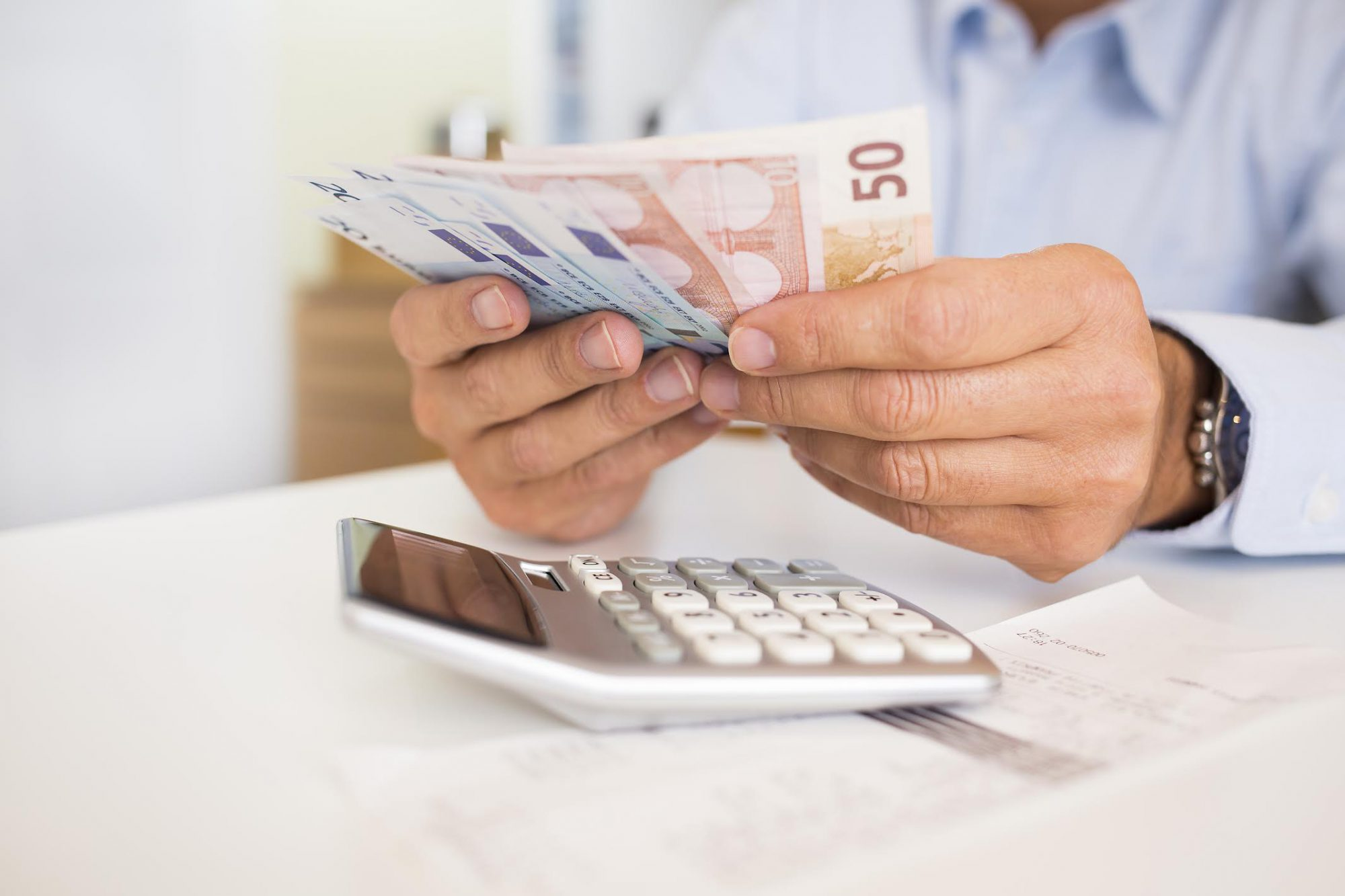 Hellenic Statistical Authority: Income of Greek households increased by € 1 billion