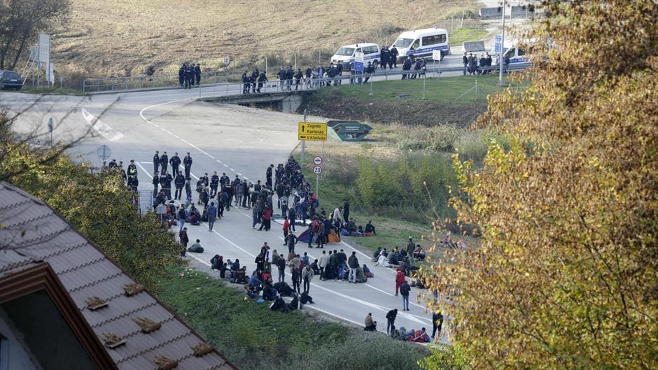 BiH: Aminor and two adult migrants injured during clashes with police forces