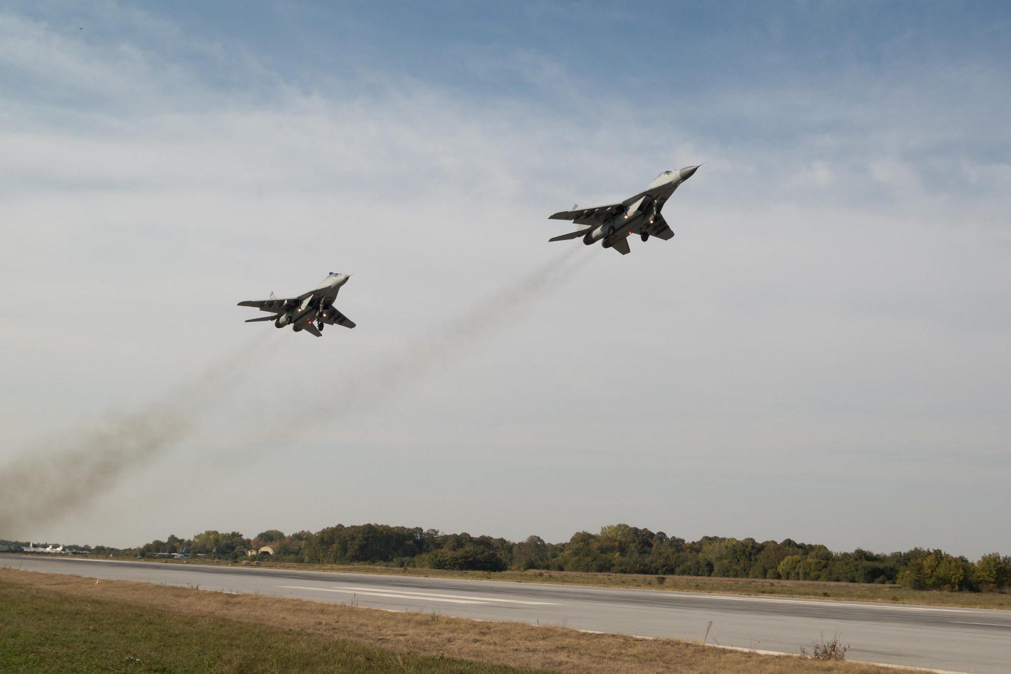 Μεικτά πληρώματα Ρώσων και Σέρβων πιλότων σε αεροπορική άσκηση
