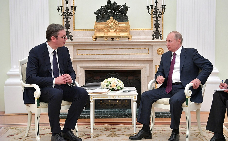 Vucic promises Putin that Serbia will remain military neutral